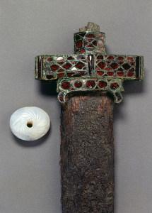 Prunkschwert mit Schwertperle, 6. Jahrhundert.